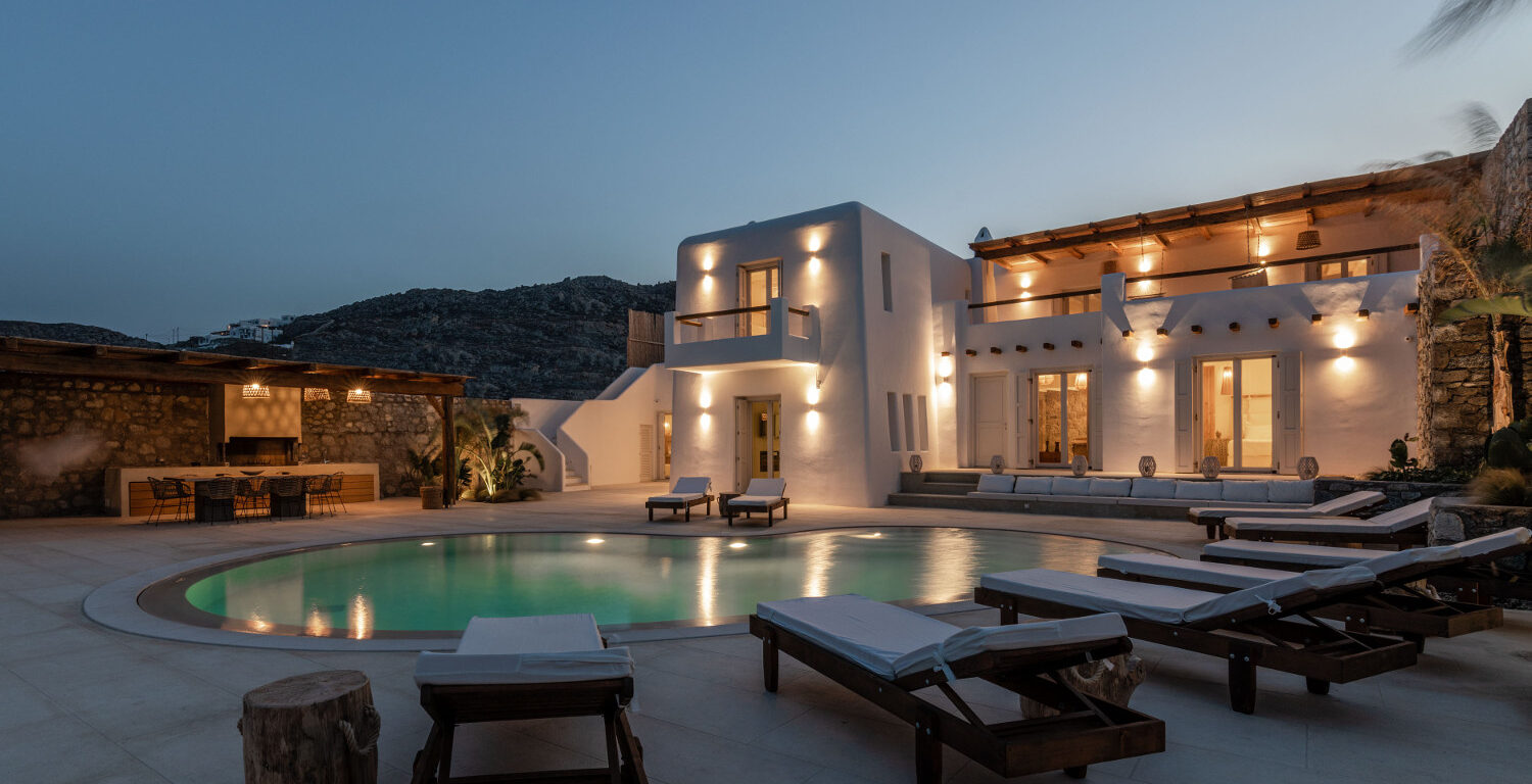 Villa or hotel? The secret to the perfect Mykonos lifestyle